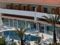 Cyprus Hotels:Moniatis Hotel Exterior