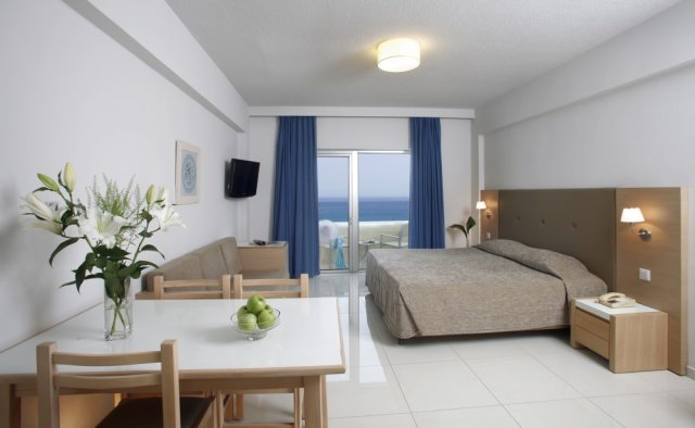 Brilliant hotel apartments protaras cyprus hotels for Brilliant bedroom apartments
